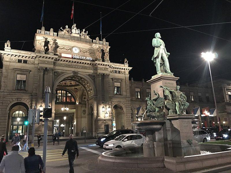 Estación Zurich