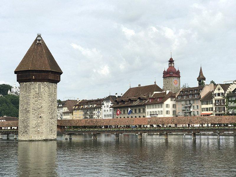 Kapellbrücke en Lucerna